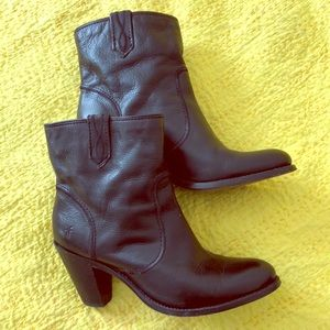 Frye Mustang boots